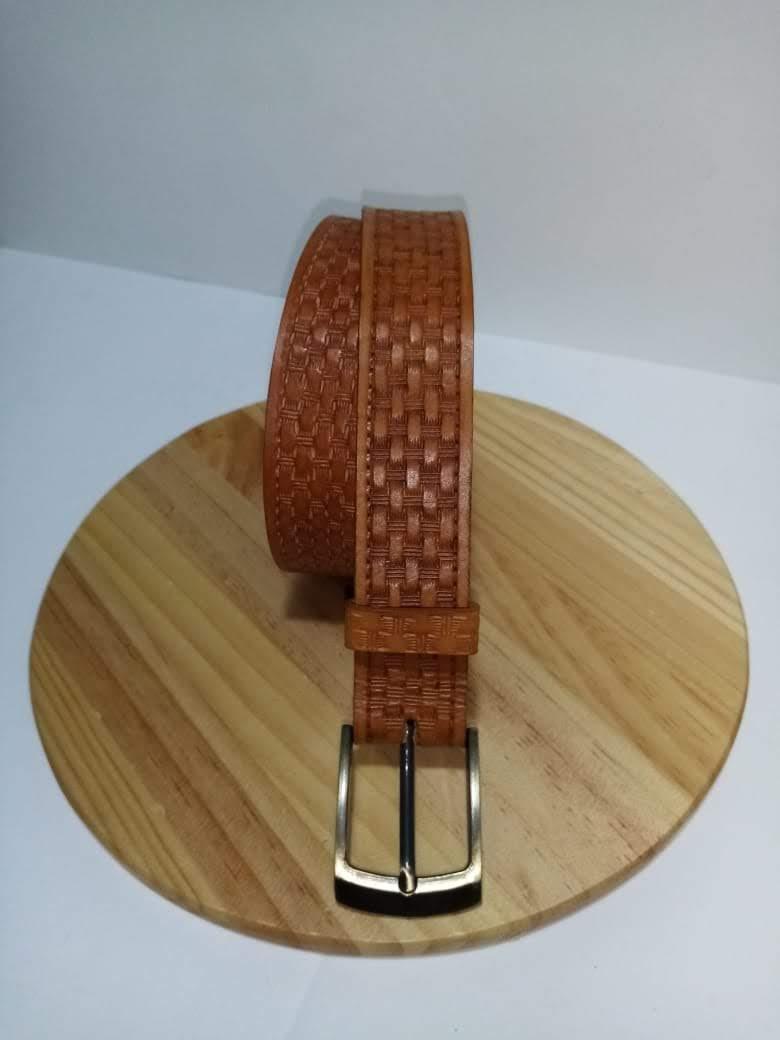 Cinturon Hombre troquelado canastilla - Asuncion Arriagada