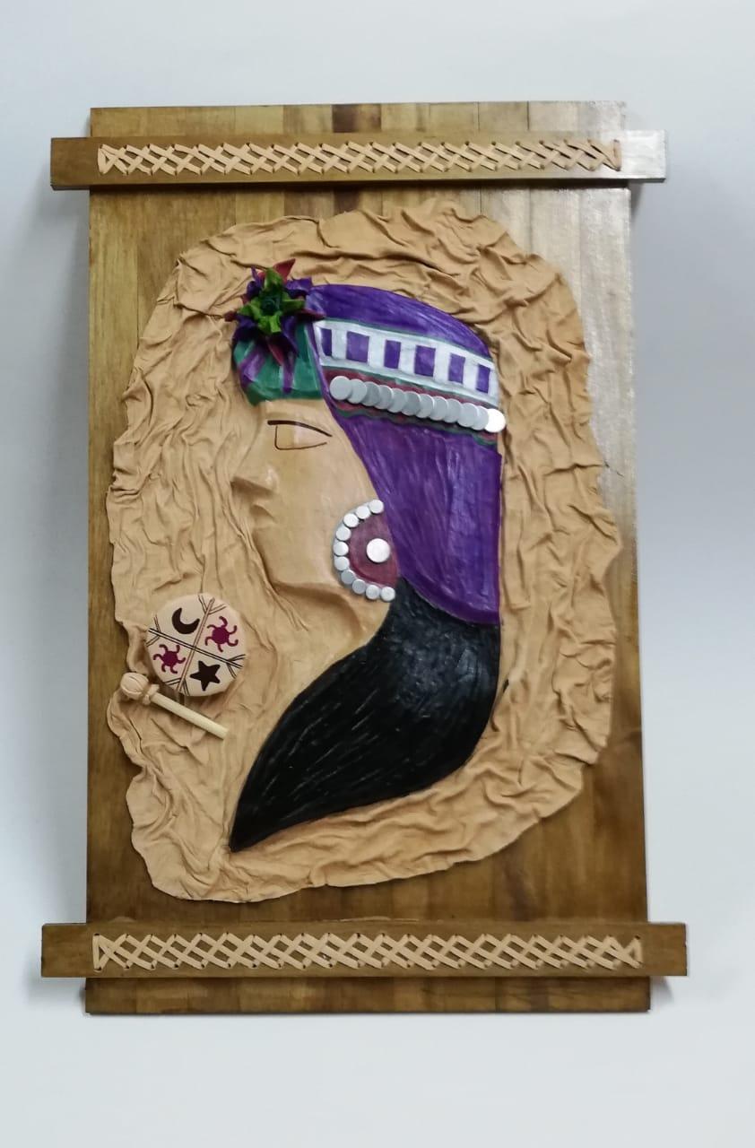 Cuadro cuero perfil mujer mapuche - Asuncion Arriagada
